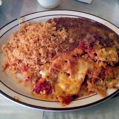 El-Farolito-chilaquiles